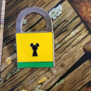 Lock DIsney Pin